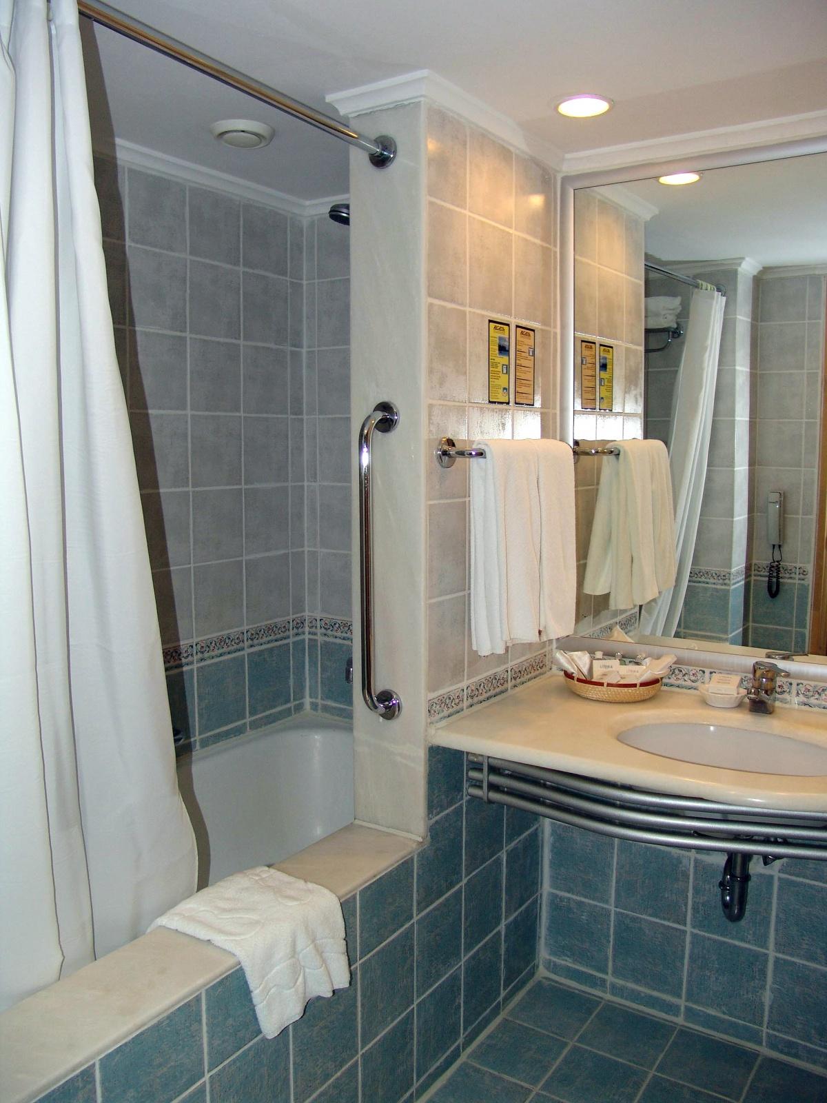 варианты ремонта в ванной в панельном доме фото