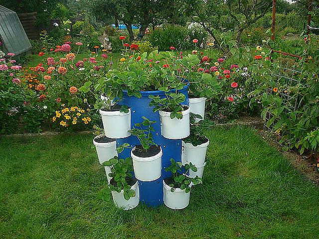 Как украсить сад из подручных средств своими руками 88