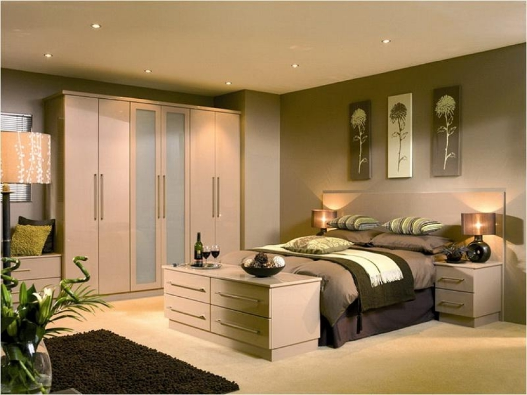 Шкафы купе для маленьких спален. обсуждение на liveinternet .