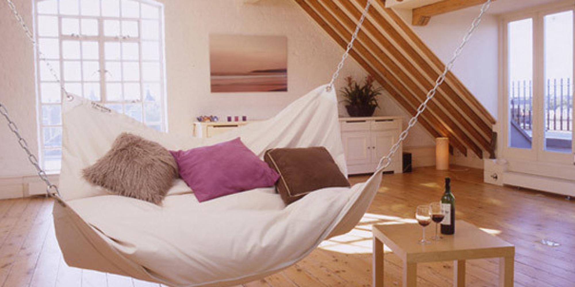 Кровать в виде балкона.