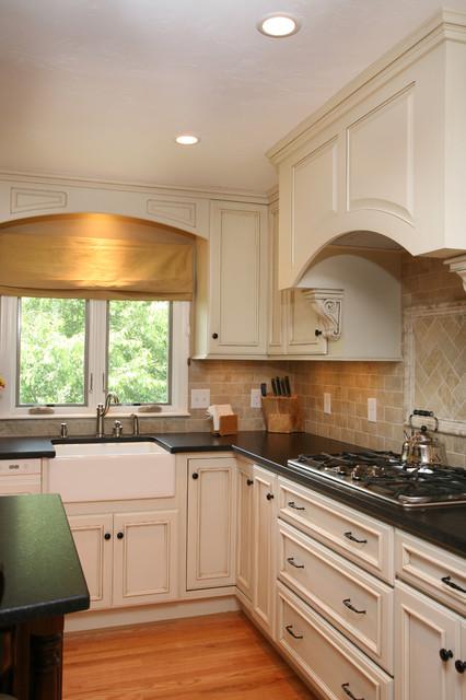 сколько сколько светильников надо на кухню в 6метров все