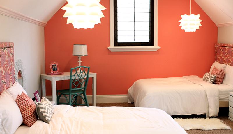 Персиковый цвет сочетание в интерьере с другими цветами.