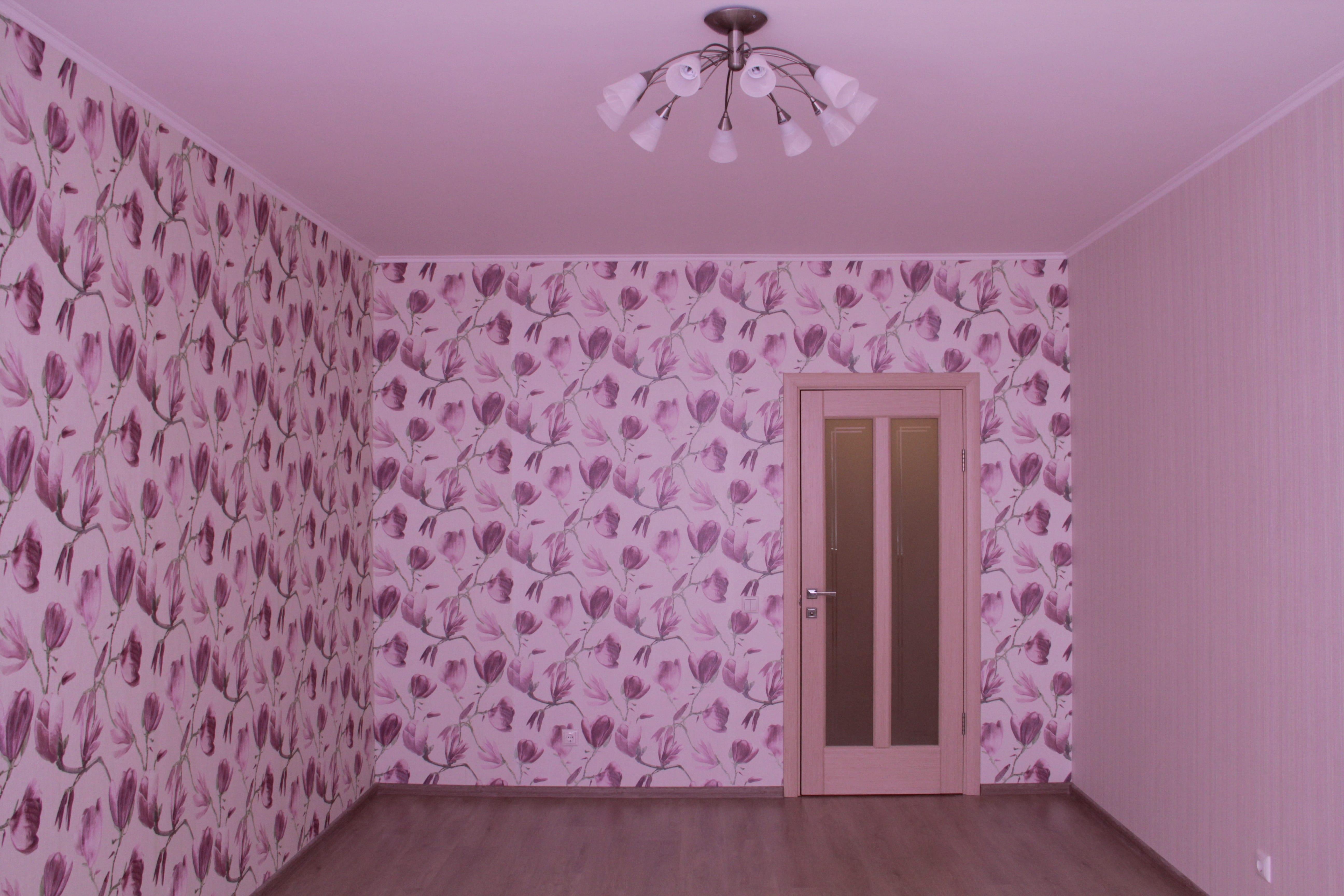 Обои двух цветов в спальню: как подобрать фото поклейки