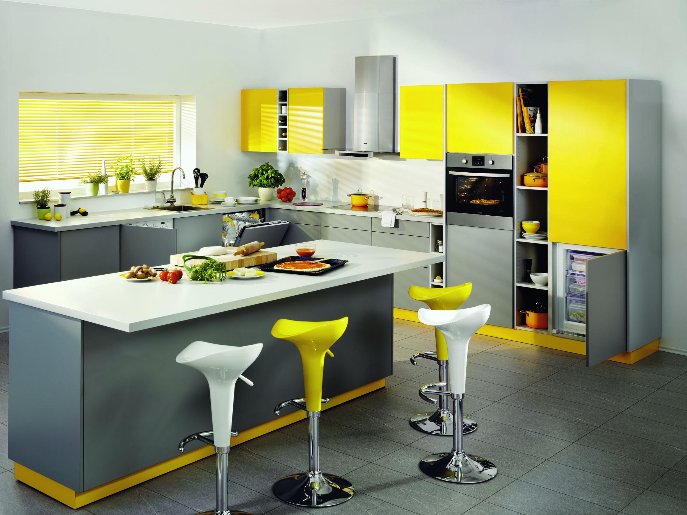 Какие цвета сочетаются с желтым на кухне