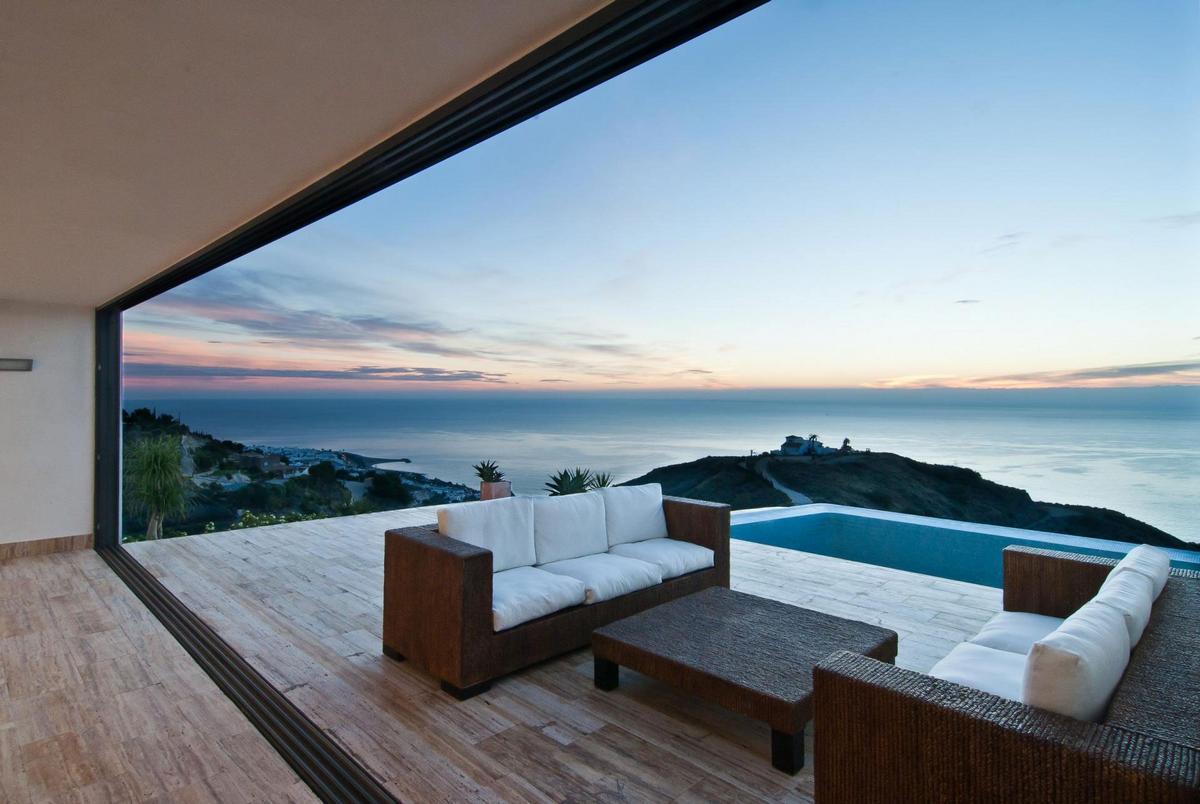 Квартира в испании на берегу моря цена