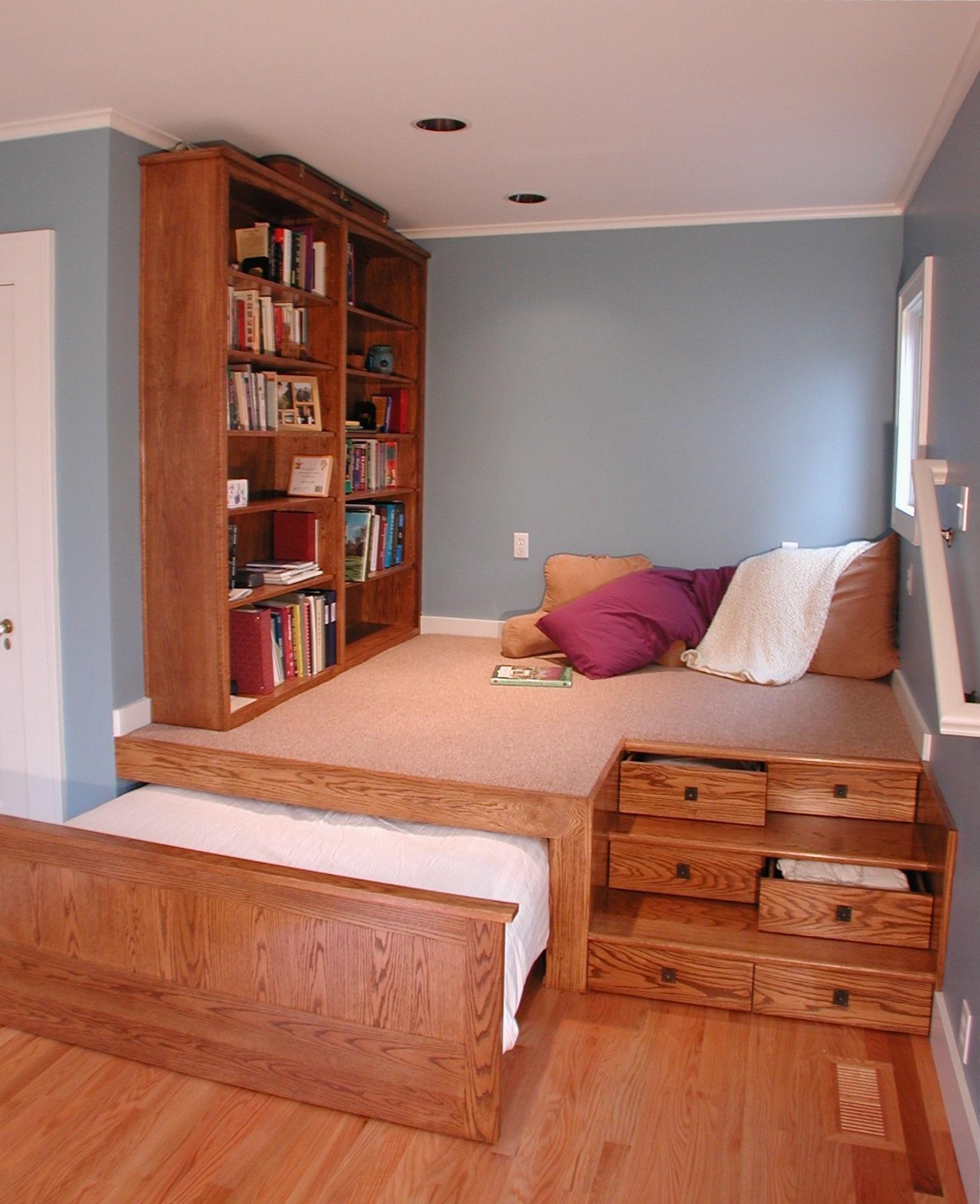"""Удобная кровать-подиум в спальне"""" - карточка пользователя ді."""