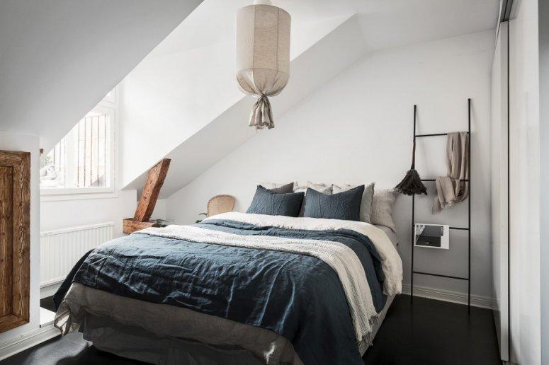 Спальня на мансарде. Фото оригинальных вариантов стильного дизайна и оформления