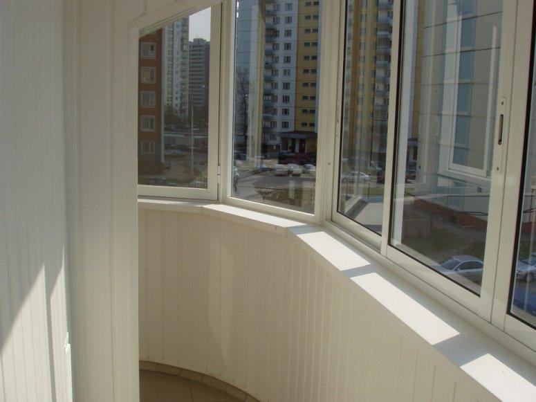 Ремонт балкона своими руками — инструкция для начинающих.