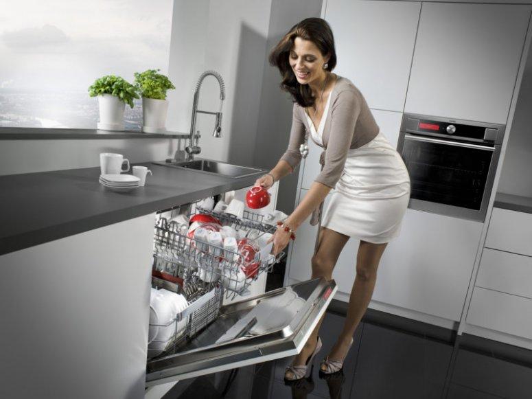 Кухня с посудомоечной машиной — мечта каждой хозяйки!