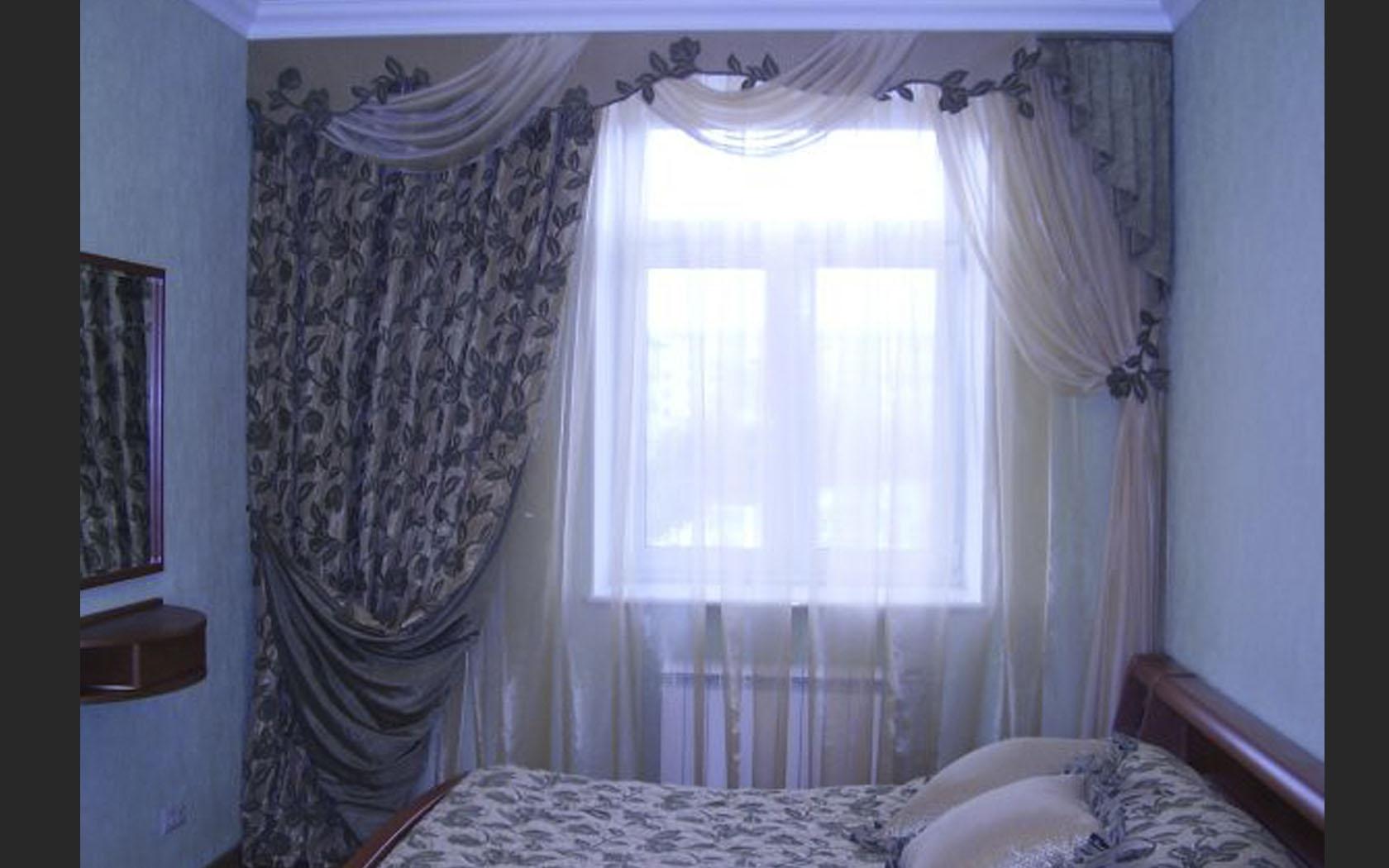 Дизайн окна штор для спальни