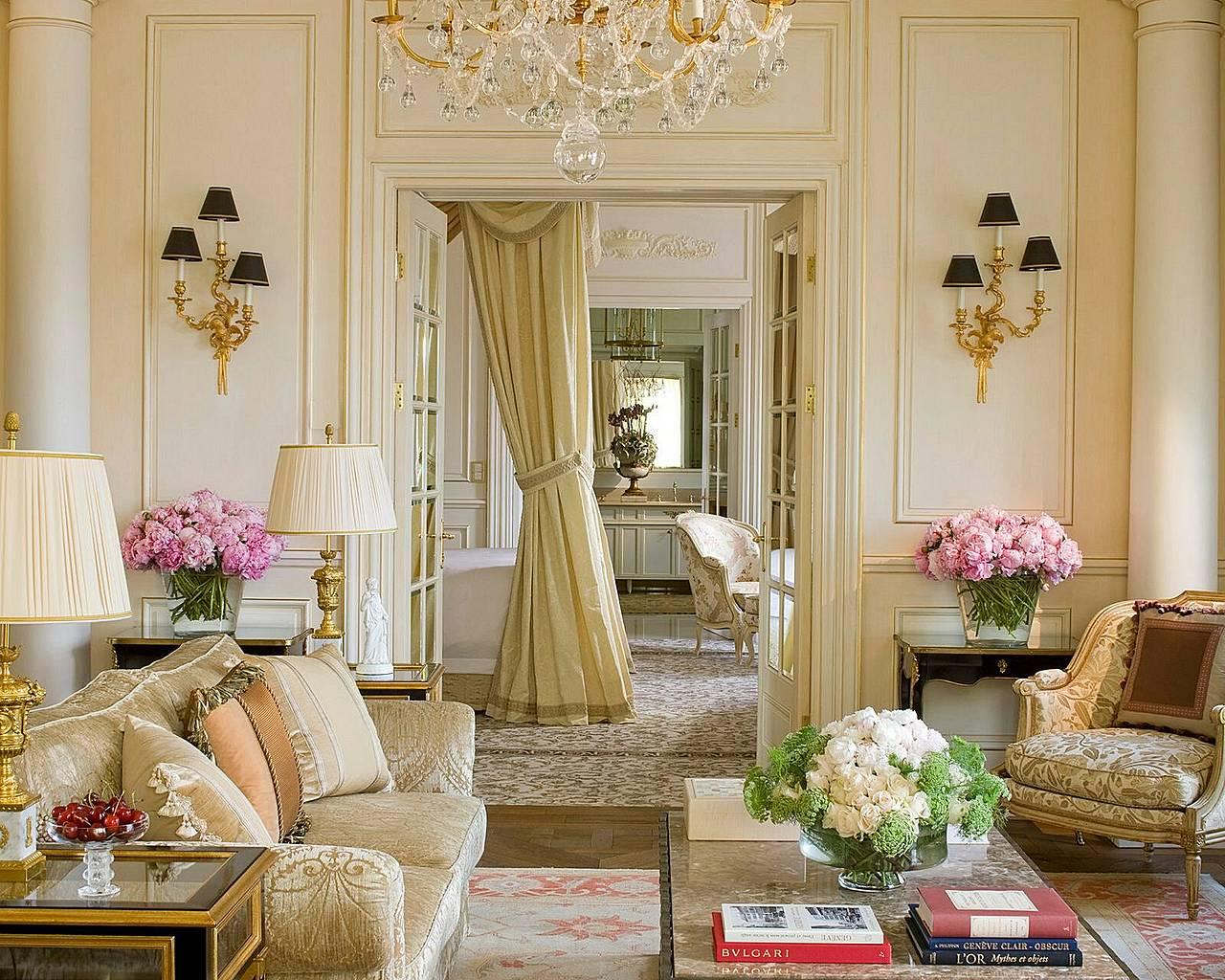 Интерьеры гостиных во французском стиле