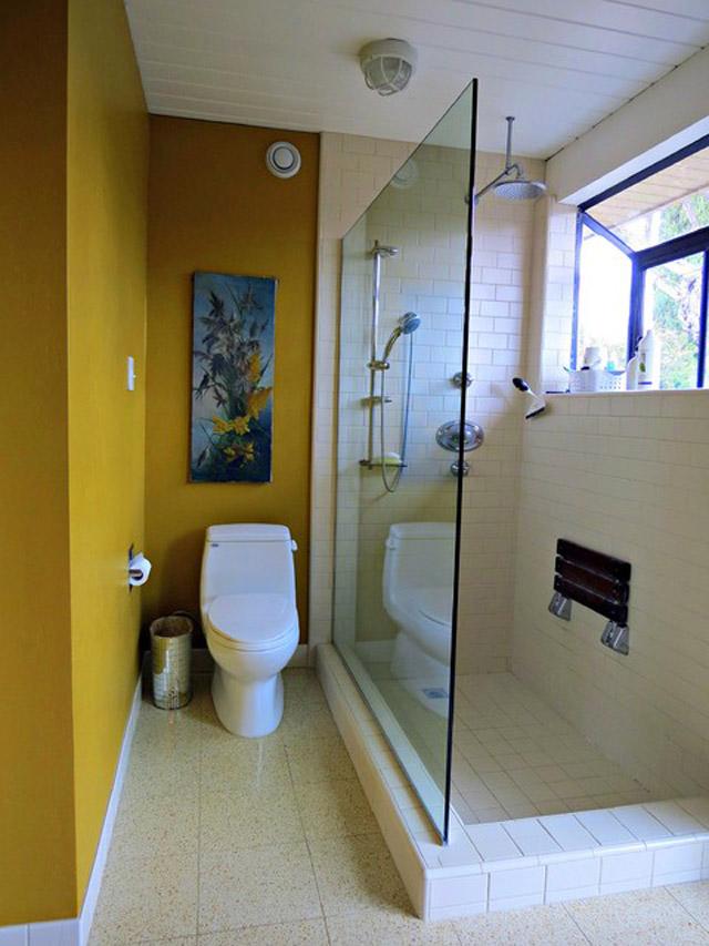 Узкая маленькая ванна дизайн в квартире