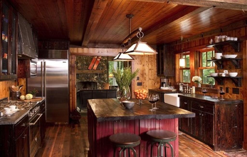 Дизайн кухни в частном доме в деревенском стиле