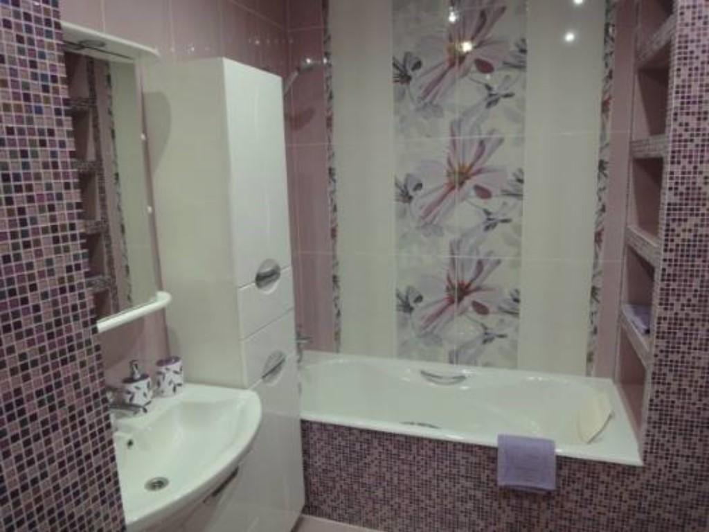 Декор в ванной комнате кафель