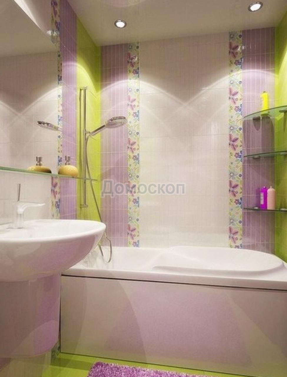 Фото дизайна маленькой ванной комнаты кафель
