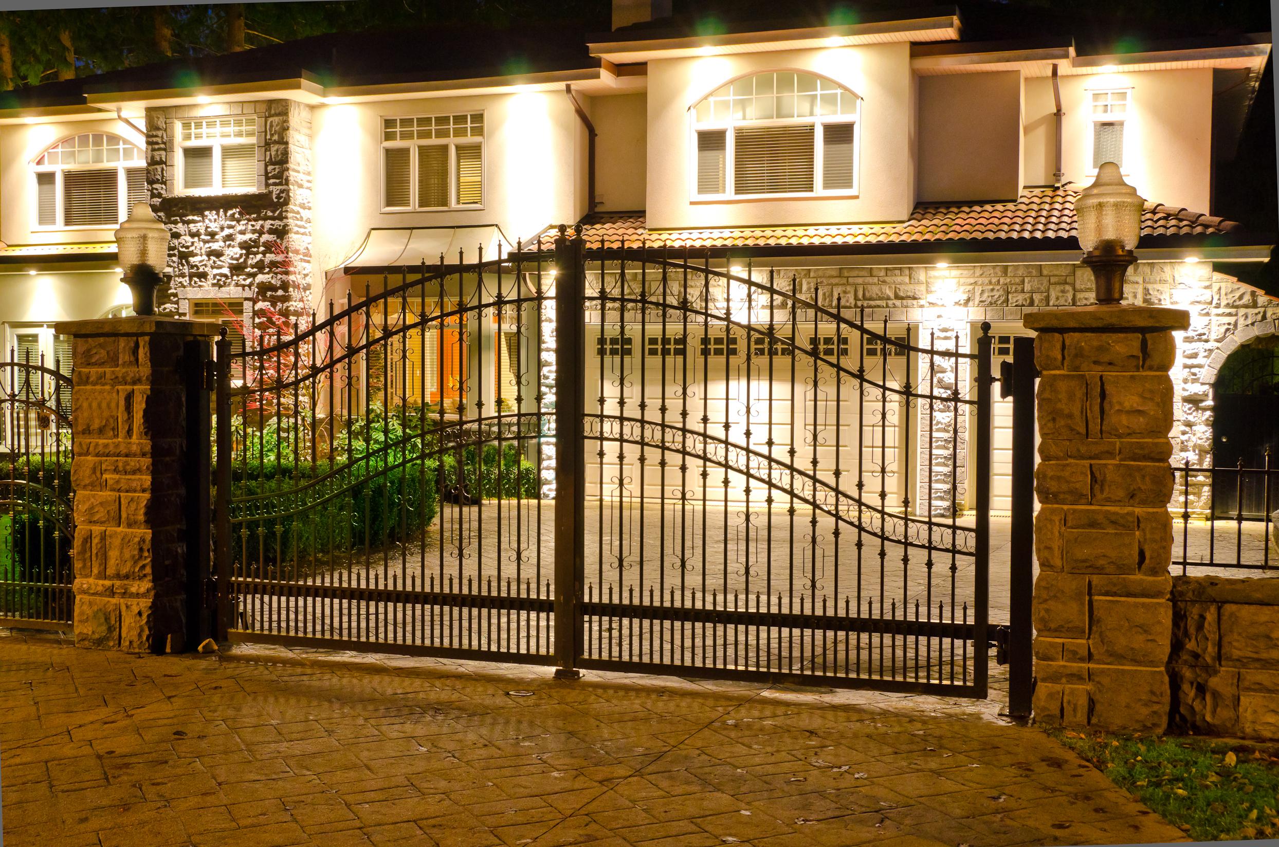Как сделать красивые ворота на дом