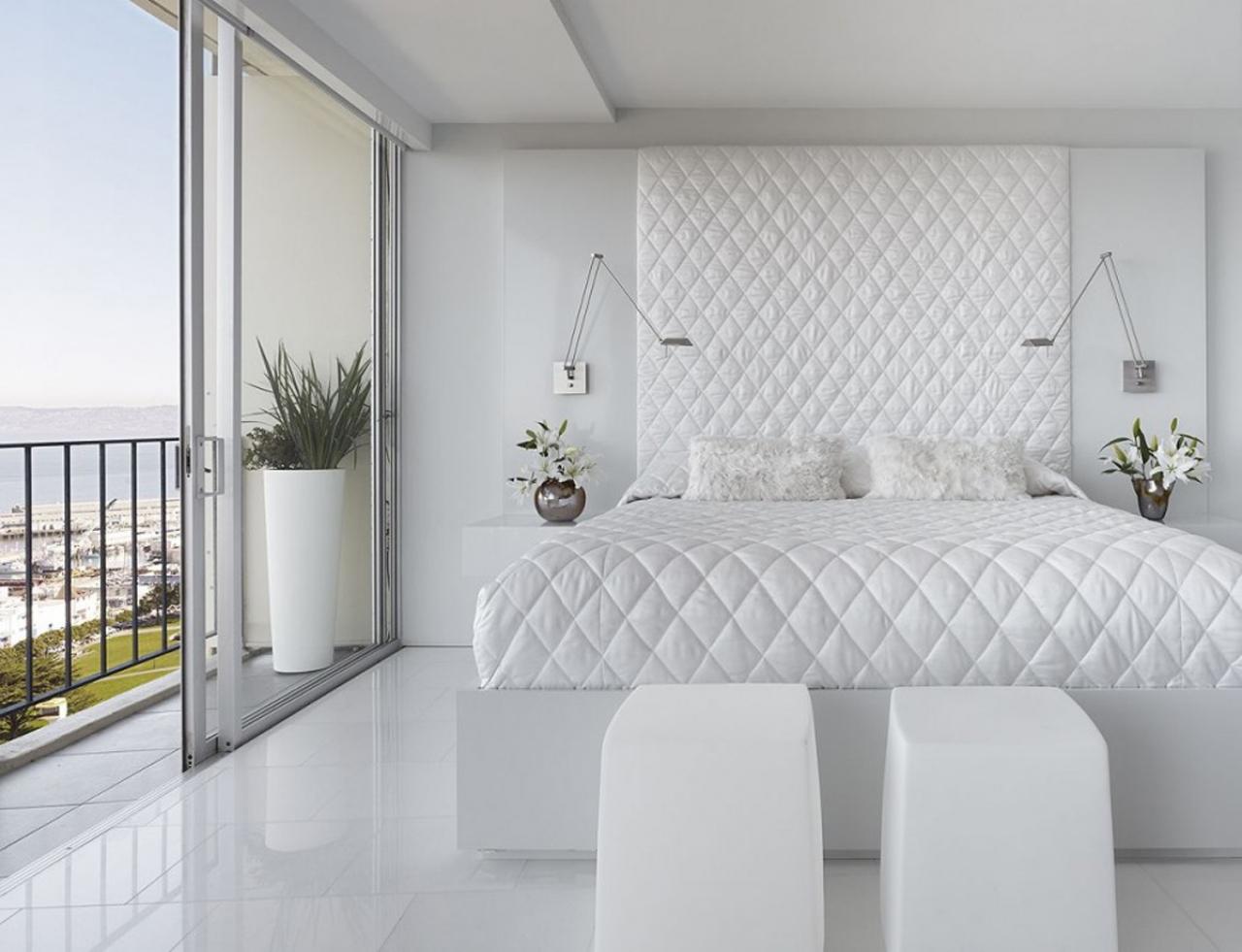 86Дизайн спальной комнаты в белом цвете