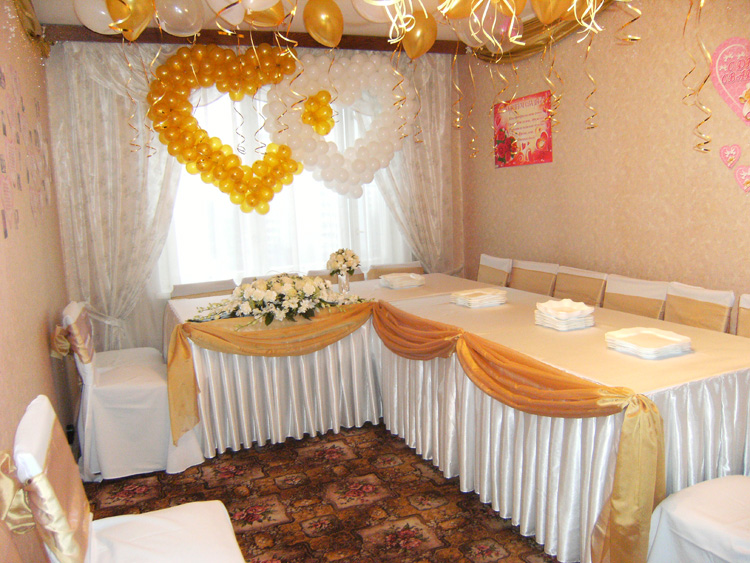 Чем украсить квартиру к свадьбе своими руками 665