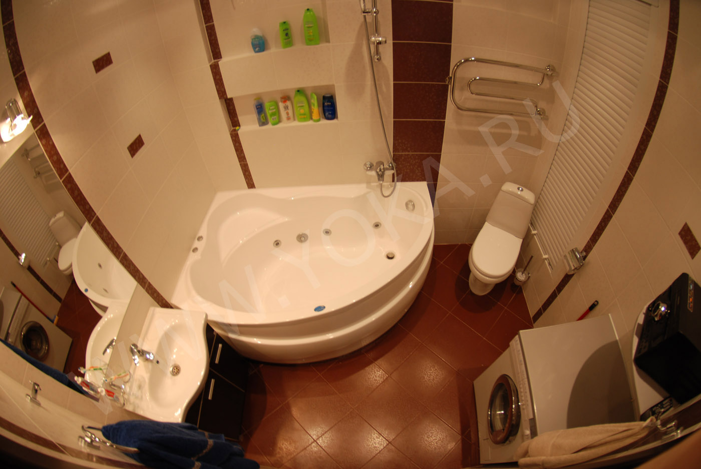 Ванная комната дизайн угловая фото в квартире