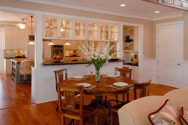 Дизайн кухни вместе в доме