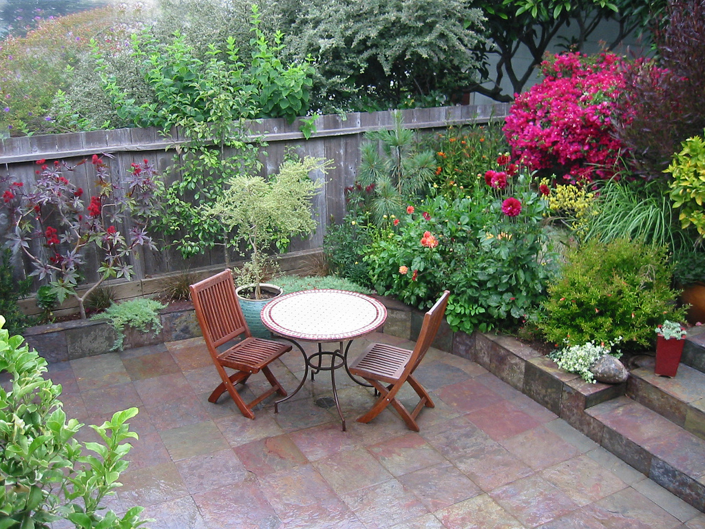 Как сделать двор уютным и красивыми