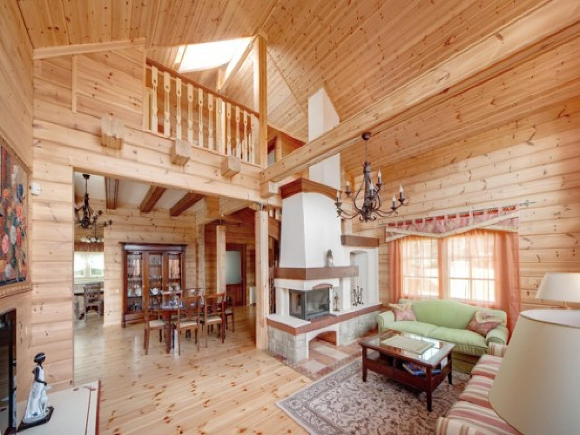 Загородный деревенский дом планировка и дизайн интерьера