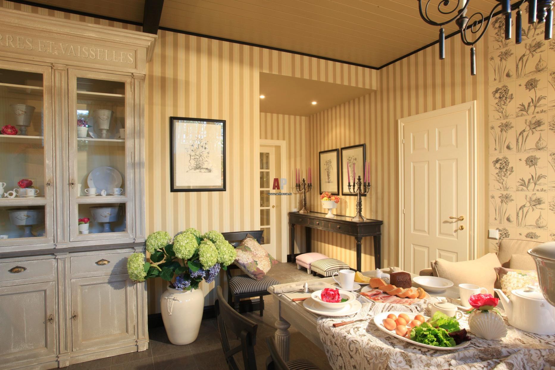 Интерьер кухни. с обоями фото