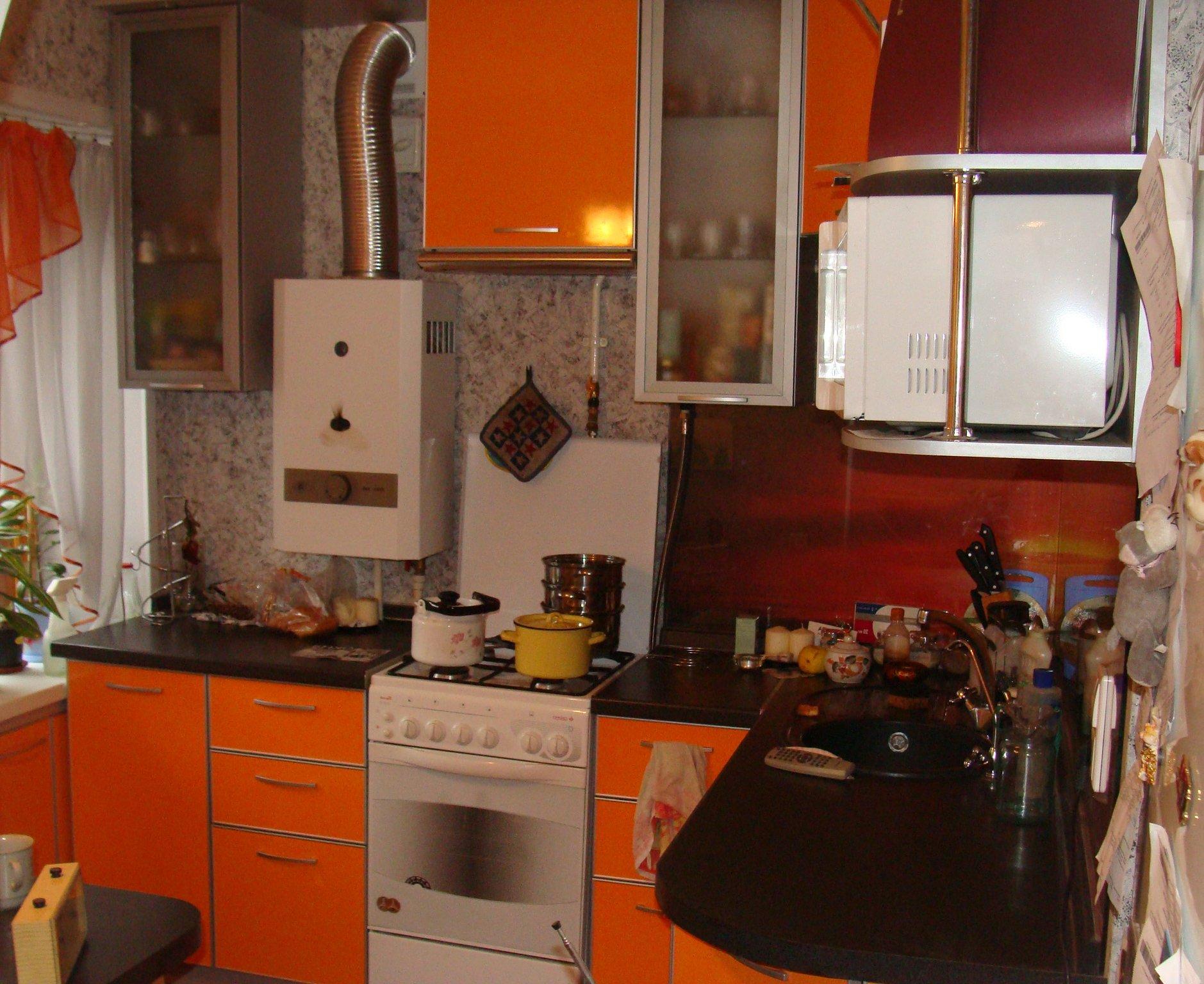 6 метровая кухня с газовой колонкой дизайн