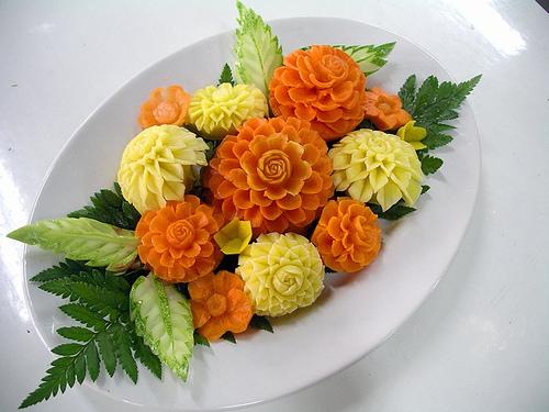 Салаты с украшение из овощей