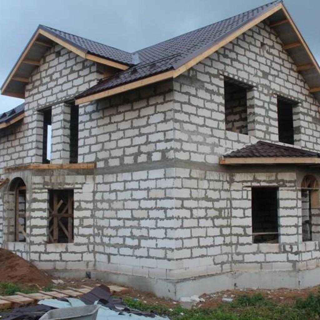 Дом из пеноблоков строить