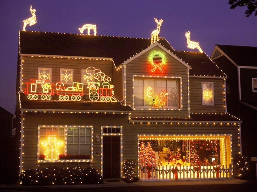 Как украсить фасад дома своими руками на новый год