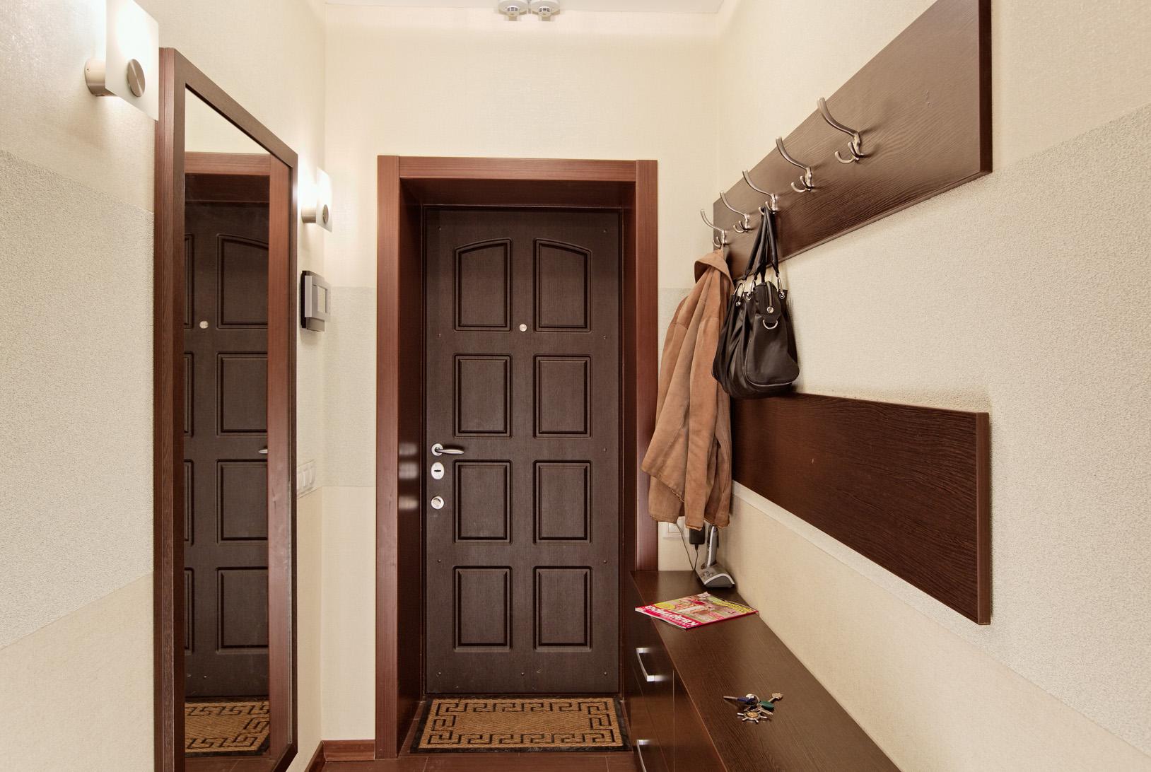 Дизайн узкой и маленькой прихожей в квартире