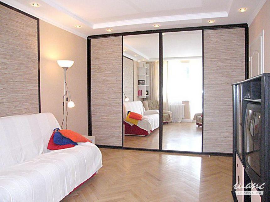 Фото дизайна спальни с рабочим местом