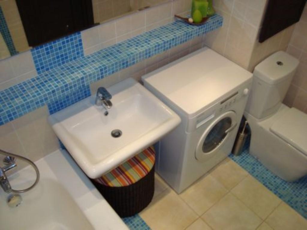 Как сделать ремонт в совмещенной ванне с туалетом