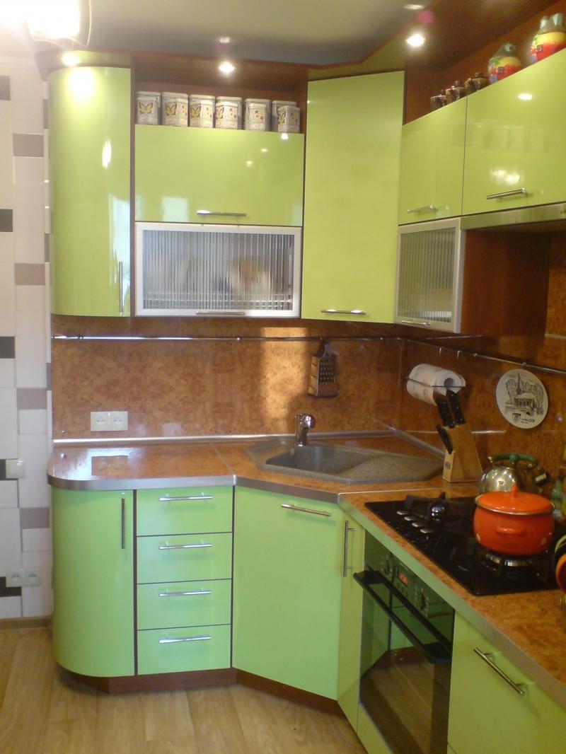 Дизайн угловых малогабаритных кухонь в хрущевке