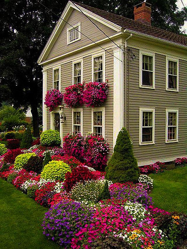 Красота своими руками у дома