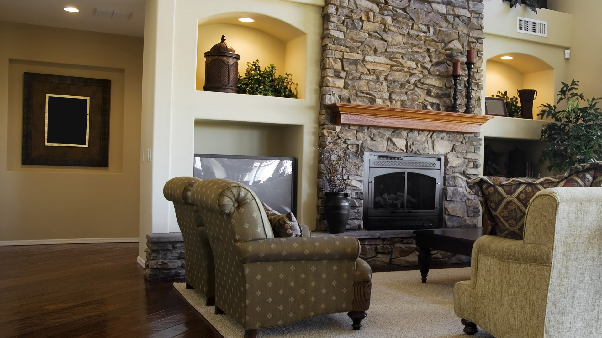 Интерьер в гостиной с камином фото