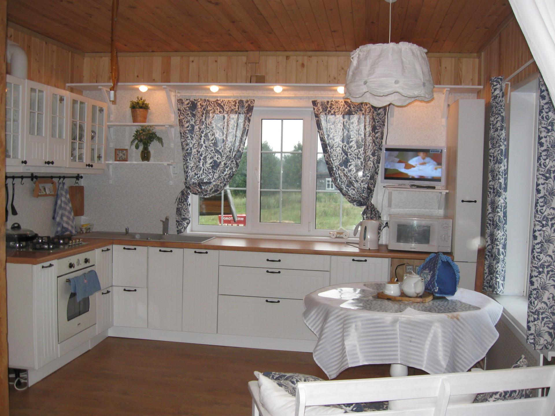 Дизайн кухни сельского дома