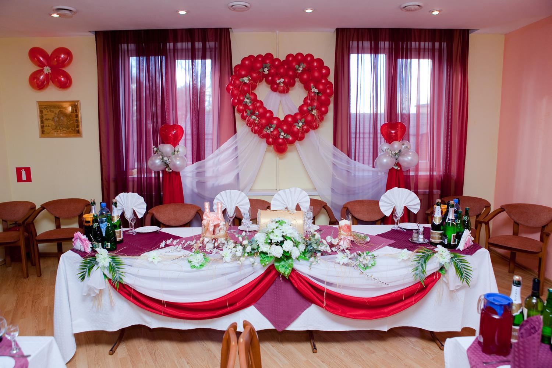 Как оформить свадебней залы своими руками