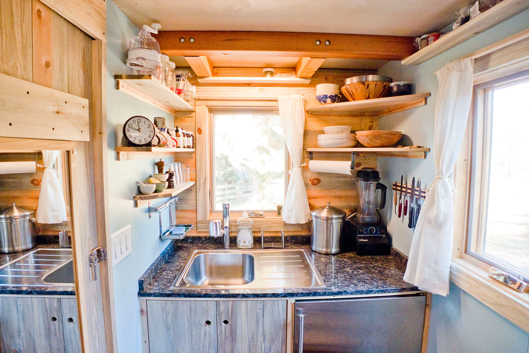 Украсить летнюю кухню своими руками