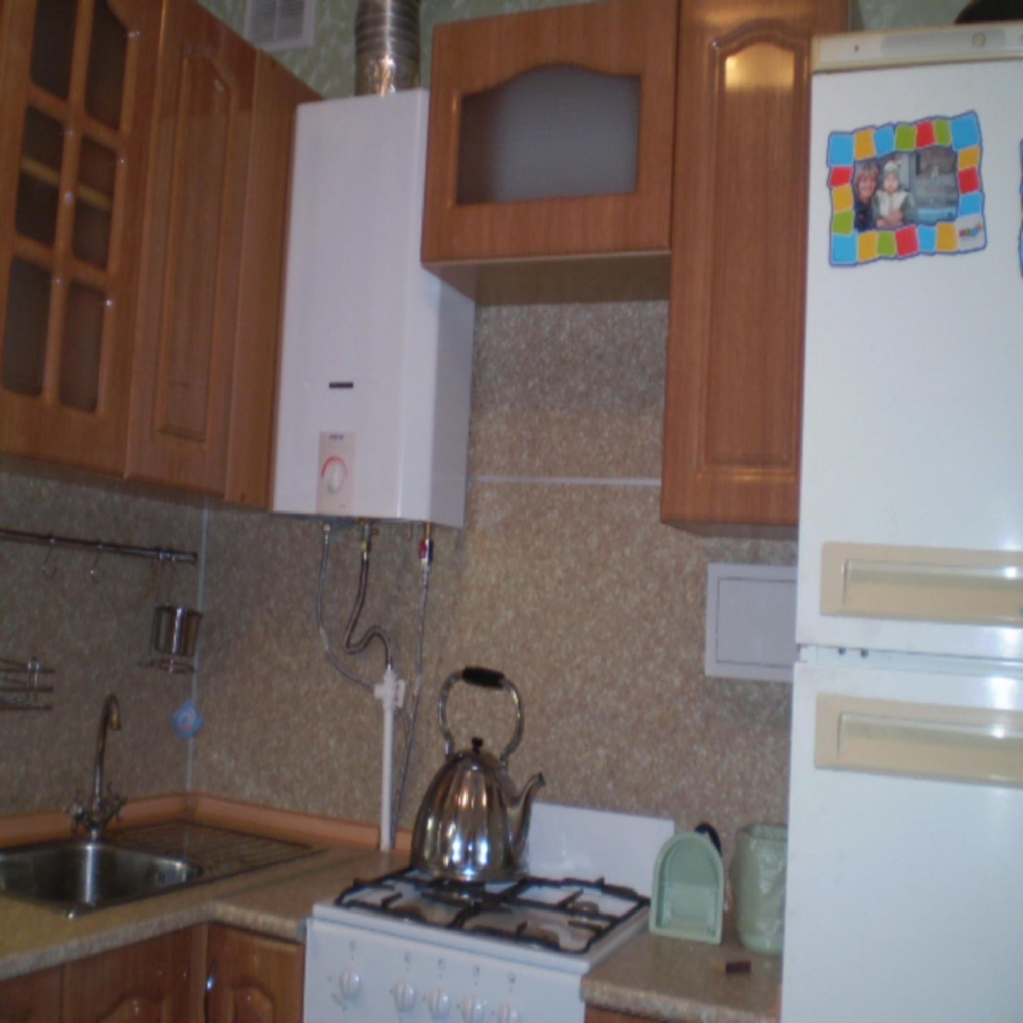 Кухни с газовой колонкой в хрущевке дизайн малогабаритные 5 квм с