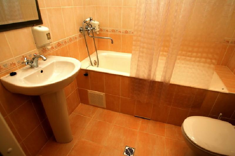 Ремонт в ванной эконом класс