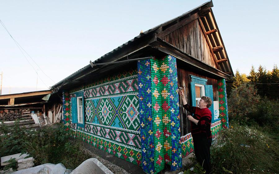 Как украсить дом в деревне своими руками