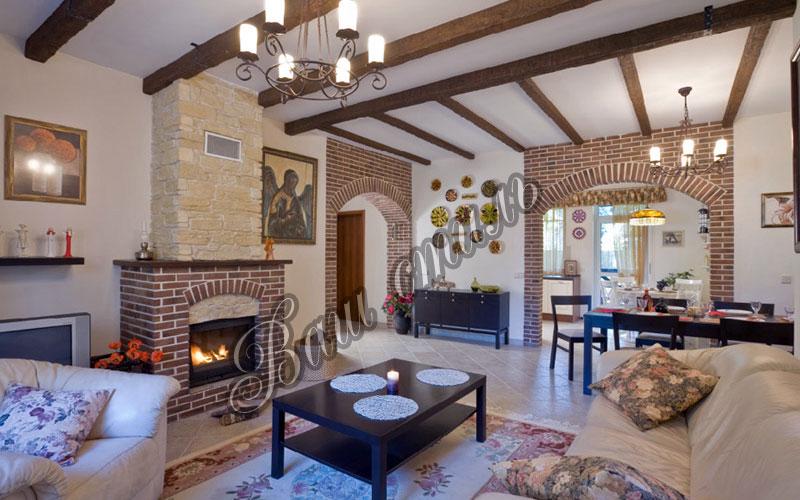 Дизайны и интерьеры загородных домов
