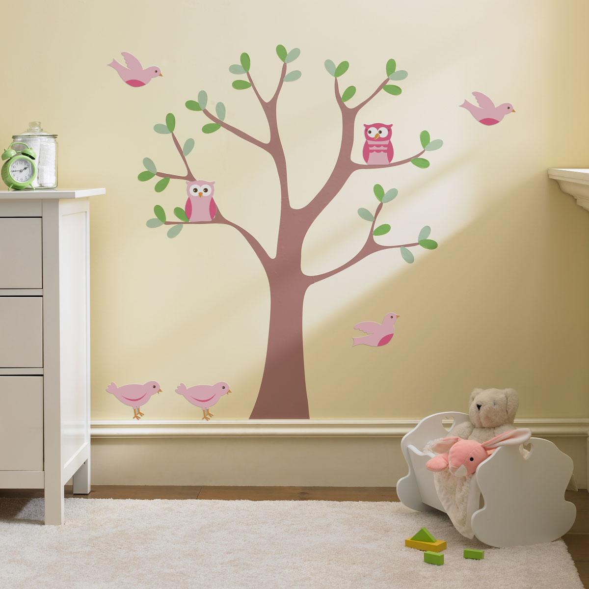 Дизайн стены своими руками в детской комнате 77