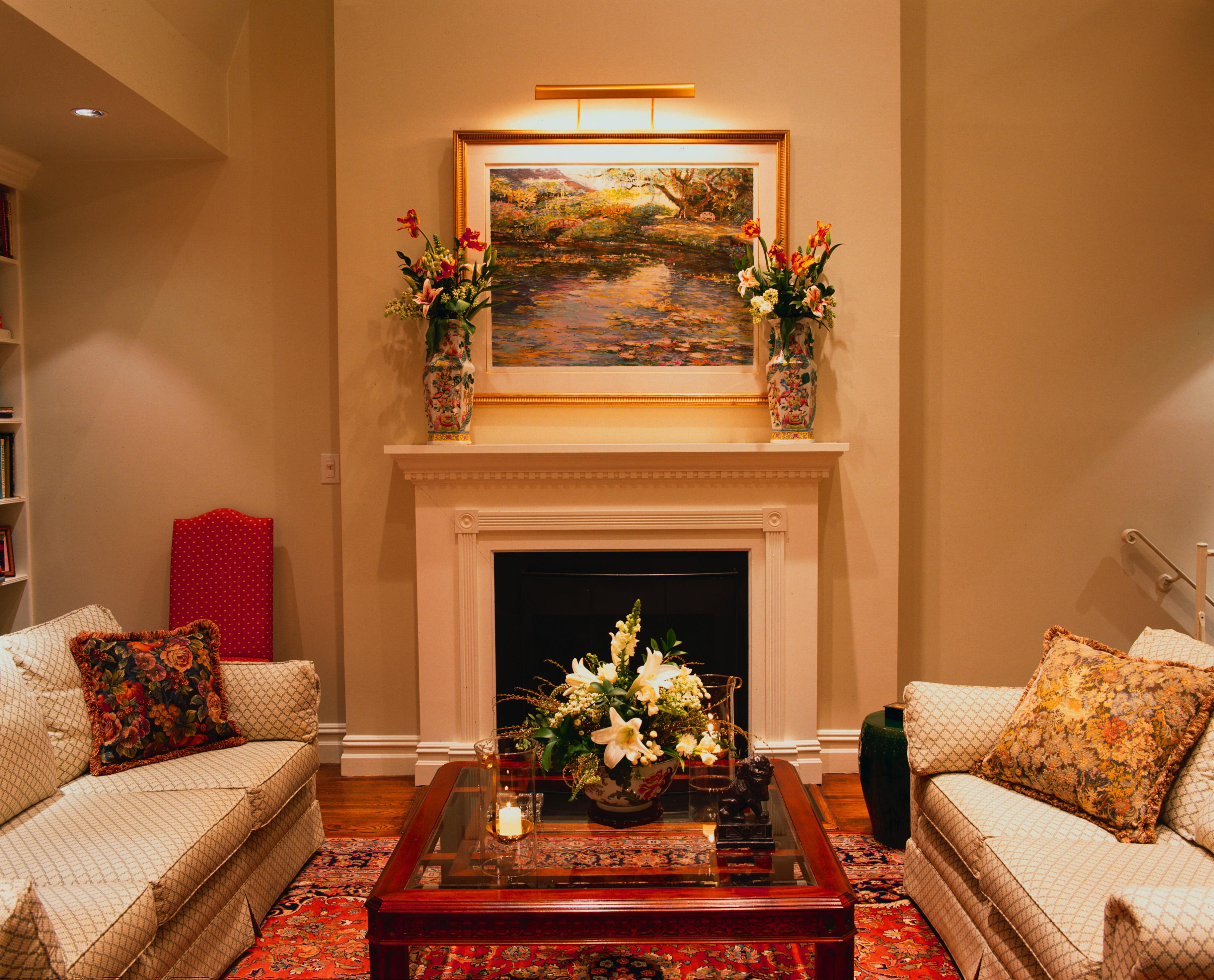 Фото интерьер комнаты с камином
