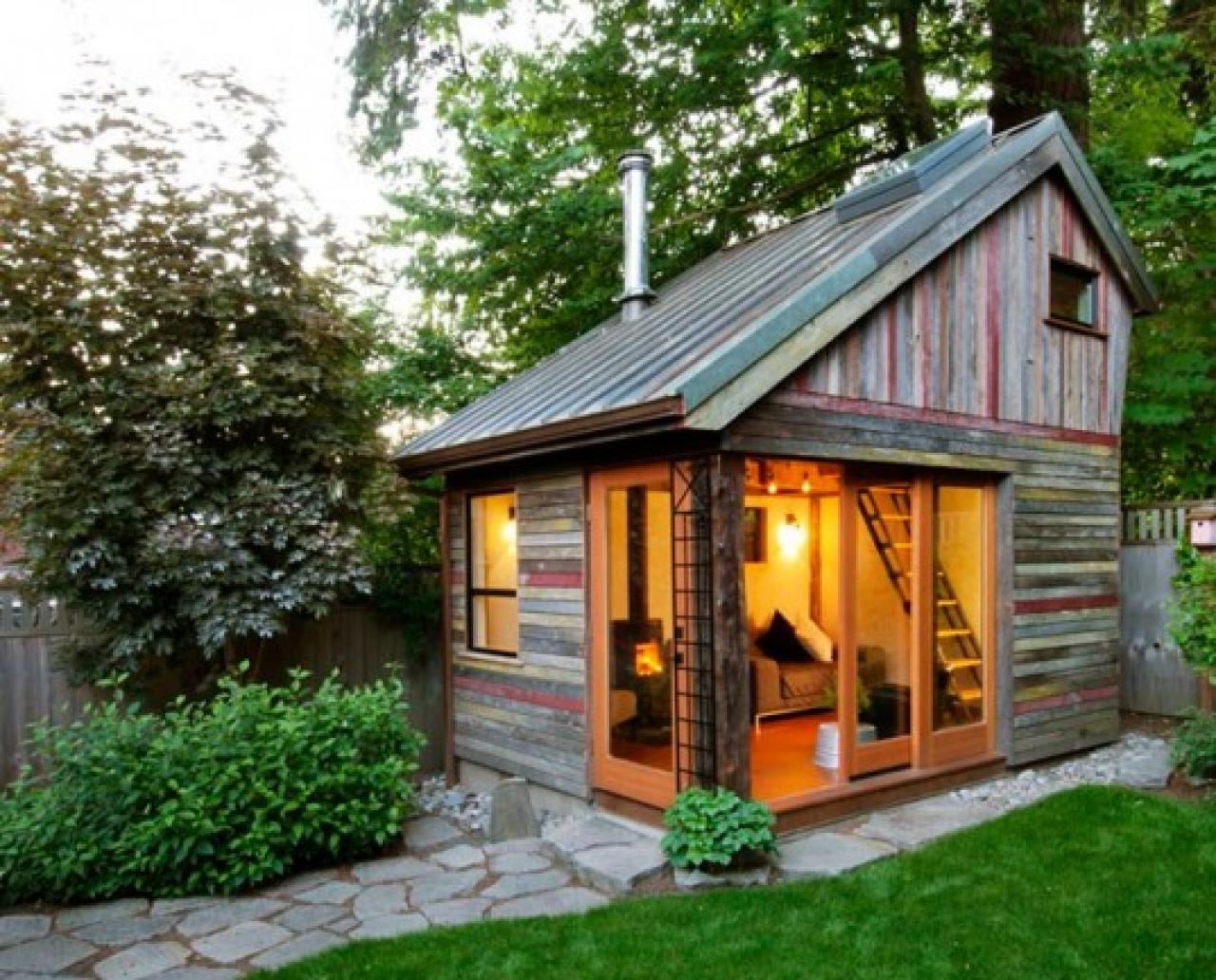 Построить летний домик недорого своими руками фото