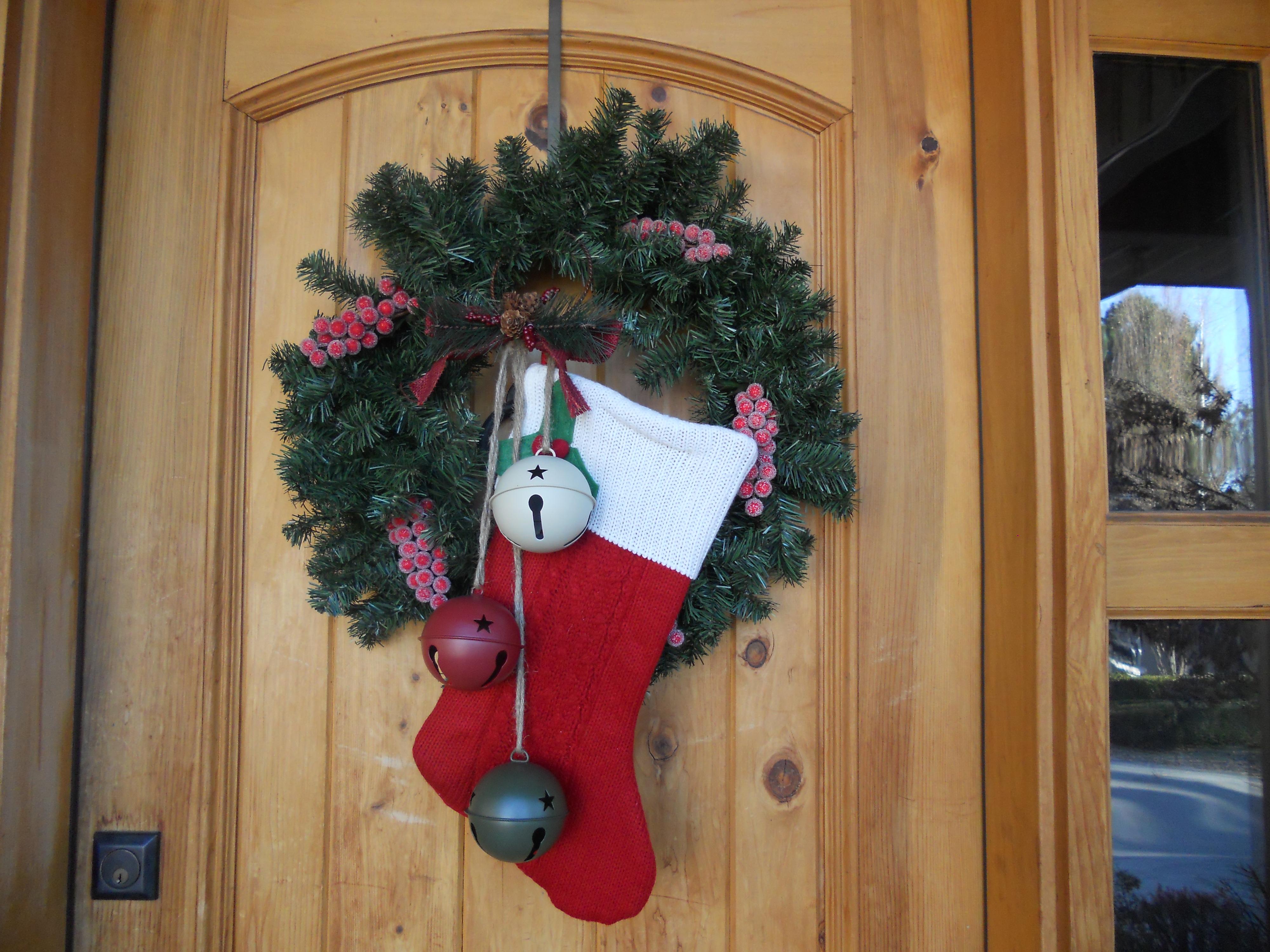 Новогоднее украшение своими руками на входные двери