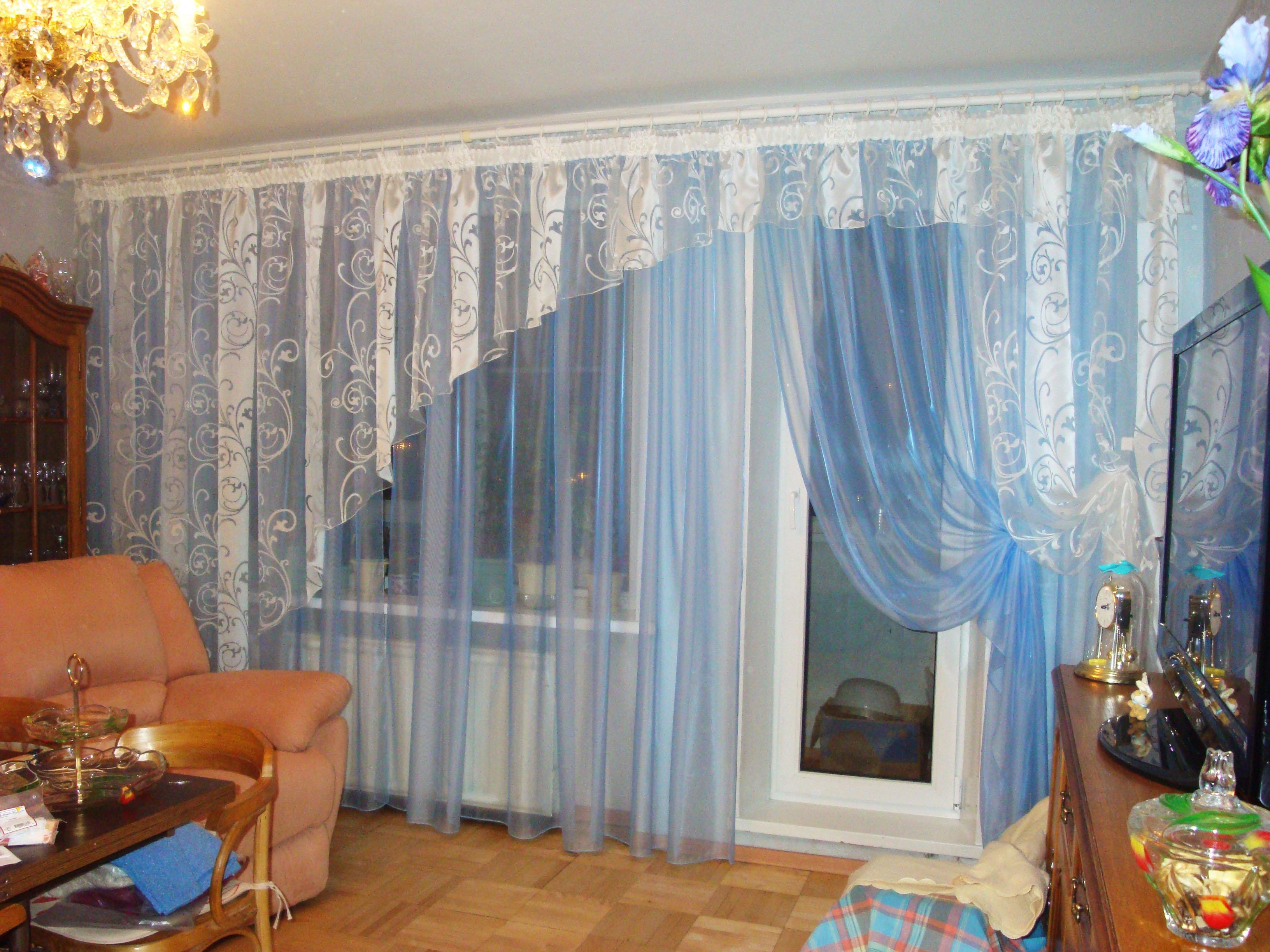Дизайн тюлей для зала с балконом