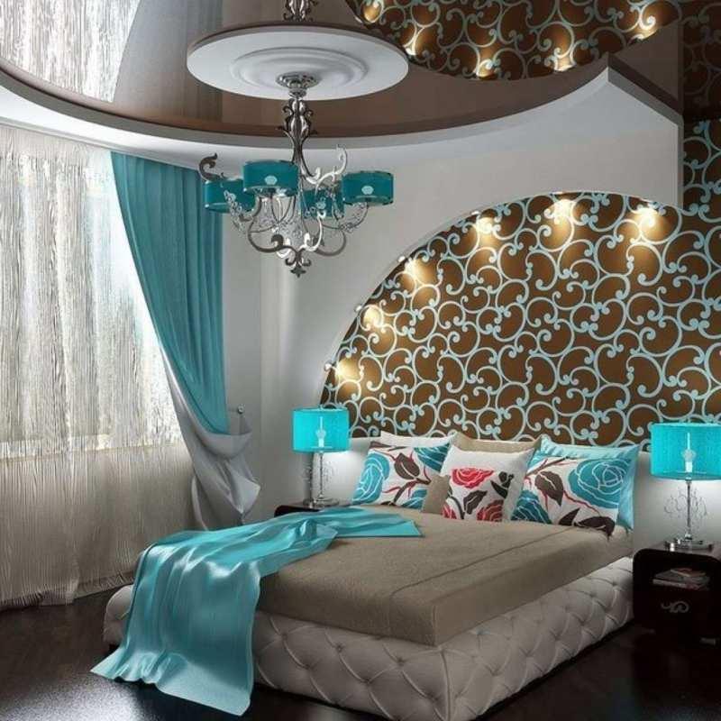 Дизайн интерьера с бирюзовым и коричневым